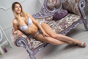 Malika pocket money woman for sex dates cheap sex contacts Frankfurt with oral sex protection at escort agency