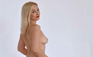 Divina Flirt Escort Model spoils sex escort service offers Sex contacts Frankfurt with facial insemination at escort agency