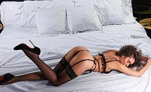Georgiana Edel Escort Dame bietet Sex Dates günstige Sexkontakte Berlin mit Verkehr in Latex & Gummi über Erotikportal