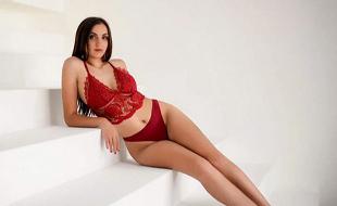 Juvel Super Escort Model für Käufliche Liebe billige Sexkontakte Frankfurt mit Sex von hinten bei Modelagentur