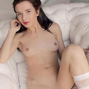 Alexia - Petite Bonn 25 Years Cheap Hobby Whores Service For Couples