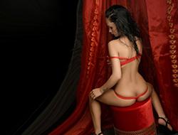 Amanda – Super zierliche Prostituierte macht Top Sexangebot