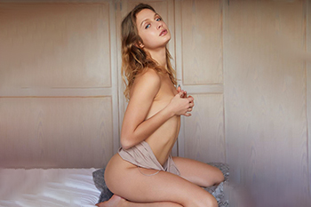 Anaya Class Escort Ladie loves hotel visits cheap sex contacts in Mönchengladbach discreetly popping with escort agency
