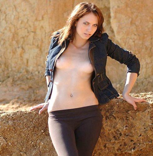 Dorlinde – Slim Berlin From Italy Cheap Sex Mediation Striptease