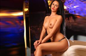 Fransiska – Super Model mit Top Figur buchen für Sex & Begleitservice