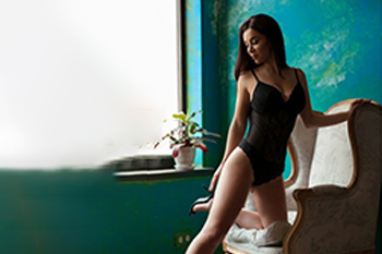 Maria Super Escort Model liebt Sex Affäre angebote Sexkontakte Berlin mit Verkehr im Korsett bei Modelagentur