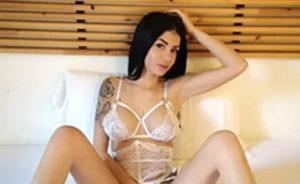 Melly Bella – Privatmodelle Frankfurt 75 C Billige Prostituierte Liebt Intime Fingerspiele