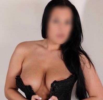 Nadin – Escort Girl Berlin Aus Russland Bietet Hotelbesuche Erotische Massage