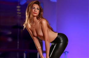 Simona – Privatmodelle über Berliner Sexanzeigen buchen