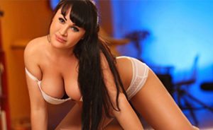 Tiffany - Pretty Housewives excite with Verbal Eroticism at Cheap Sex Affair in Berlin