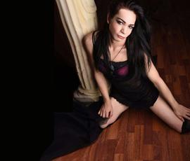 Trans Lulu – Teenie TS Shemale bietet AV Sex & Massage